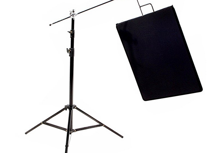 Black flags are often used by professional food photographers